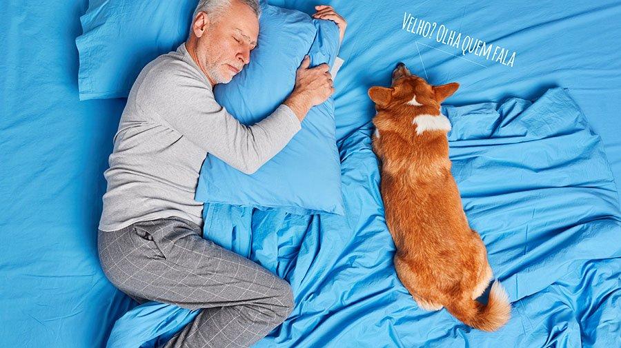 Cachorro velho pessoa velha tapete higienico arkuero xixi dog pipi cao